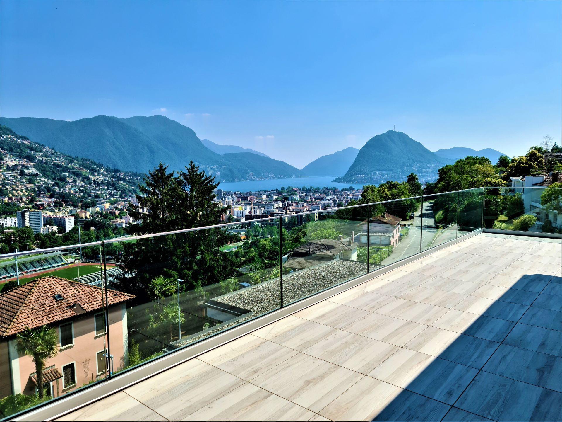 Esclusivo 4.5 locali con SPA e vista sul golfo di Lugano in vendita a Porza